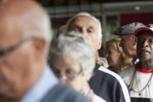Câmara aprova prioridade entre os idosos para pessoas com mais de 80 anos