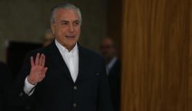 Temer reúne ministros e aliados do PSDB e do DEM para discutir crise política