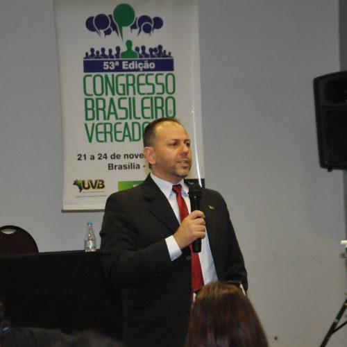 André Camillo faz orientações e apresenta Nota Técnica sobre 13º subsídio e 1/3 de férias