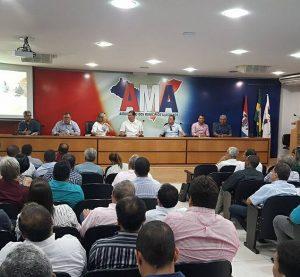 Uveal reúne representantes de Câmaras para tratar de valorização de vereadores e vereadoras
