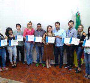 Câmara de São Gabriel entrega diplomas de formação em Libras