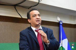 Vereador de Cuiabá assume vaga de deputado sem renunciar cargo