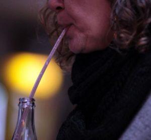 Canudo de plástico será proibido nos estabelecimentos em São Vicente