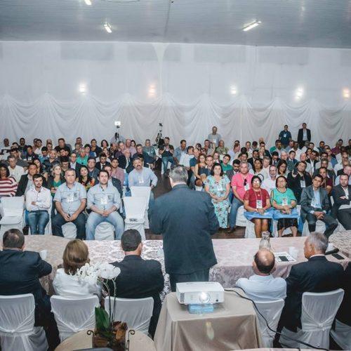 Encontro Nacional de Legislaivos Municipais em Iraí reuniu representantes de 17 estados