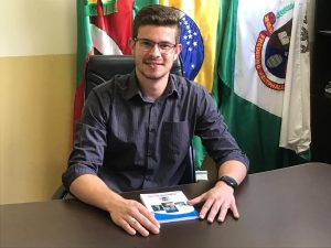 Panossinho entra para história como o mais jovem presidente do Legislativo