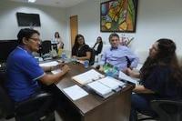 Professora da Unifesspa conhece projeto da Escola do Legislativo