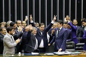 Rodrigo Maia é eleito para novo mandato como presidente da Câmara dos Deputados