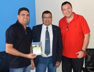 Visita da UVB à Câmara de Buzios prepara evento de Junho