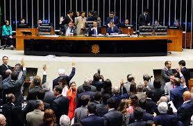 Salário mínimo e ajuste fiscal estão na pauta de hoje do Plenário