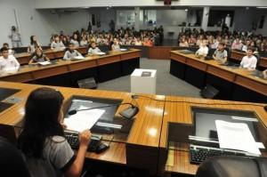 Vereadores mirins dão lições de cidadania na Câmara de Joinville