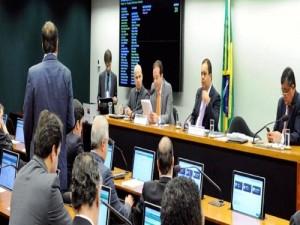 Aprovada em 1º turno PEC que proíbe União de impor despesa a estados e municípios