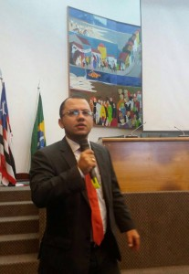 Advogado Eduardo Requião fala sobre Prestação de Contas de Câmaras, na Marcha dos Vereadores