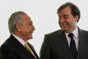 Temer parabeniza Rodrigo Maia pela eleição para a presidência na Câmara