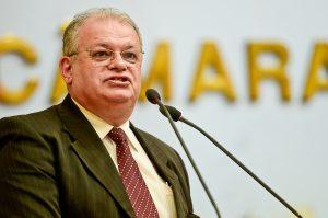 """""""O Legislativo, o Municipalismo e o Pacto Federativo"""" será o tema de Silomar Garcia Silveira"""
