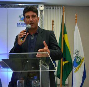 Julinho Theodoro foi reeleito presidente do legislativo de Fazenda Rio Grande