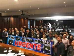 Vereadores se unem contra tarifa mínima de água