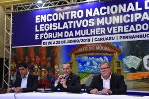 Presidente Giva participa de Encontro Nacional da União de Vereadores do Brasil (UVB)