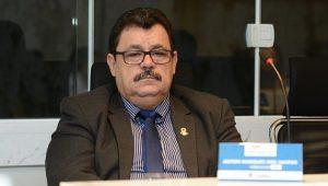 Projeto de Lei do Vereador Bolinha sobre controle de natalidade de animais é aprovado pela Câmara Municipal e Lábrea-AM.