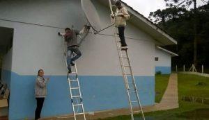 Programa vai levar internet a mas de 6 mil escolas rurais até o fim do ano
