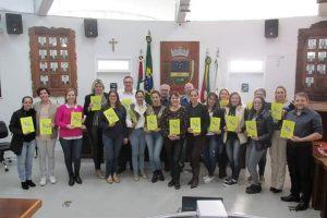 Câmara de Encantado-RS lança cartilha sobre estrutura Política do Brasil.