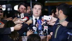 Maia defende agenda de reformas para reorganizar o gasto público