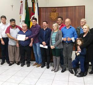 Legislativo Sarandiense, homenageia servidor da Corsan Sr. Celso Gnoatto.
