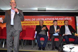 Ciro Gomes participa do Encontro Nacional de Legislativos Municipais em Fortaleza-CE