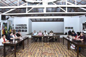 Vereadores de Iraí-RS realizam sessão no Minuano CTG em homenagem ao Movimento Farroupilha