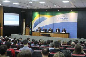 Economia quer reconquistar confiança dos brasileiros no serviço público