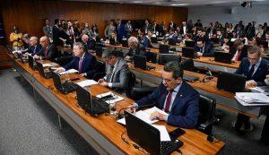 CCJ aprova que Estado que não repassar recursos a municípios pode ficar sem FPE