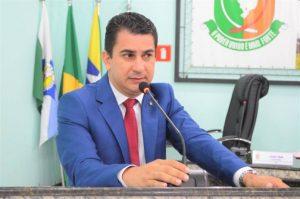 Vereador de Ariquemes-RO sofre atentado a tiros em frente a Câmara Municipal
