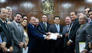 Paulo Guedes defende descentralização de recursos para fortalecer Federação