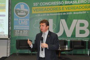 Juiz Herval Sampaio discute o tema Democracia personalista: os líderes políticos podem ditar seus valores no comando das nações?