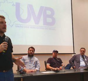 Câmara municipal de Encantado-RS apresenta projetos no Municipalidades.