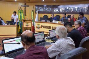 Legislativo aprova reajuste do piso dos professores e revisão geral de vencimentos em sessão extraordinária