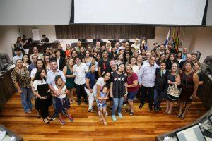 Vereadores mirins de Balneário Camboriú são empossados em sessão solene