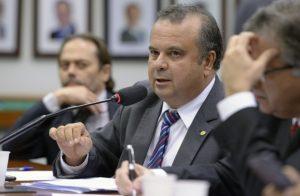 Bolsonaro nomeia Rogério Marinho ministro de Desenvolvimento Regional