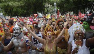 Carnaval deve movimentar 8 bilhões na economia