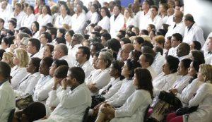 Mais de 4 mil médicos se inscreveram para atuar nos postos de saúde