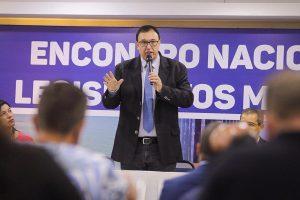 Abertura de encontro é marcada por críticas ao pacto federativo e reforma tributaria