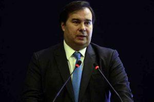 Deputados aprovam auxílio mensal de R$ 600 para os trabalhadores informais