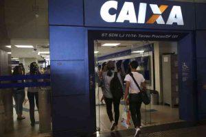 Governo promete liberar três parcelas do benefício de R$ 600 em 45 dias
