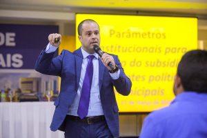Danilo Falcão convida para o Encontro de Legislativos Municipais que acontece de 23 a 26/02 em Brasília