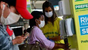 Maia quer votar uso obrigatório de máscara e MP da redução de salário