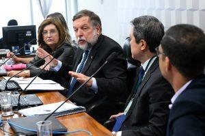 Senado Federal:Flávio Arns anuncia parecer favorável à PEC do Fundeb, sem alterações  Fonte: Agência Senado