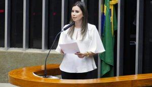 Deputada do PSL apresenta projeto para extinguir cota de gênero em eleições