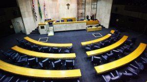 Como prefeitos e vereadores podem contribuir com a luta antirracismo?