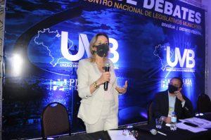 Representante da Secretaria nacional de Políticas públicas para mulheres presente em evento da UVB