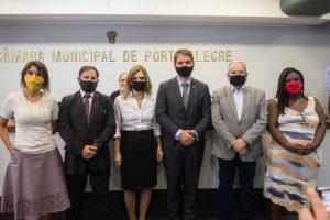 Mesa Diretora da Câmara  municipal de Porto Alegre cumpre decisão judicial