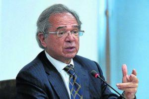 Governo estuda perdoar dívidas tributárias de pequenas empresas, diz Guedes